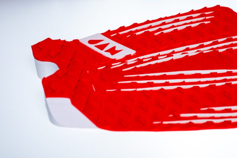 3 PIECE TRACTION PAD RED/WHITE STRIPES